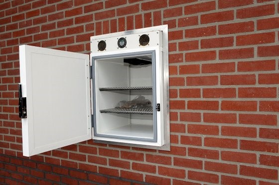 Falba épített, két ajtós rendszerű 15-17 °C-os átadó kabin
